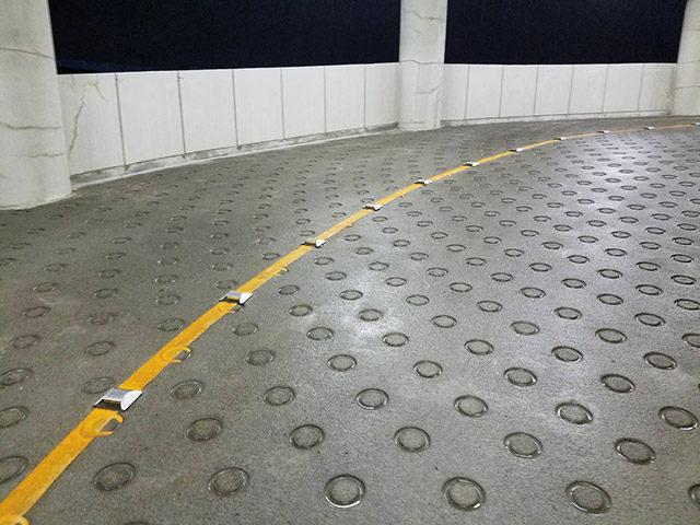 パチンコ店 立体駐車場高圧洗浄