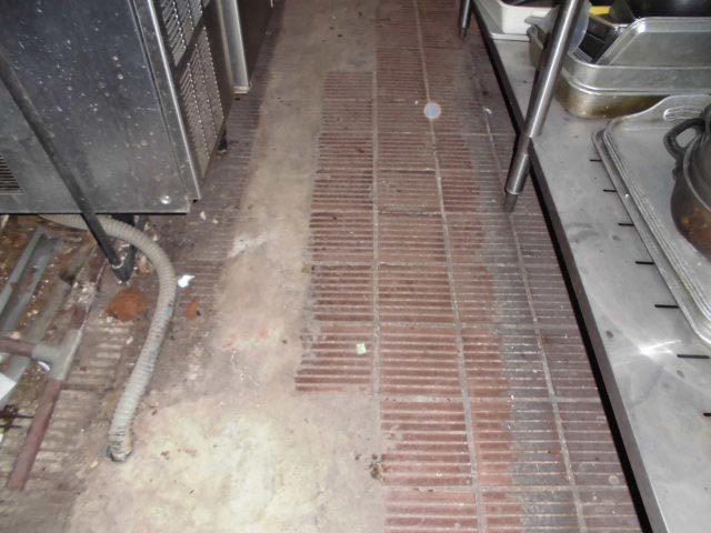 飲食店厨房引渡し清掃